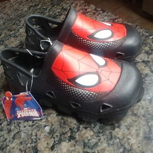 ULTIMATE SPIDERMAN BOYS SIZE 13/1 CLOGS SLIP ONS